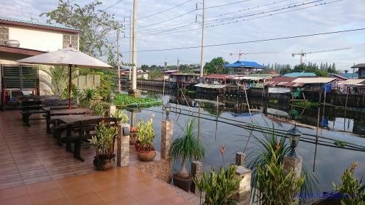 Golden Foyer Suvarnabhumi Airport - Bangkok