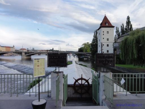 Rezavá Kotva - Praha