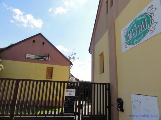 Vesnická hospoda Maštav v Lošanech - Lošany