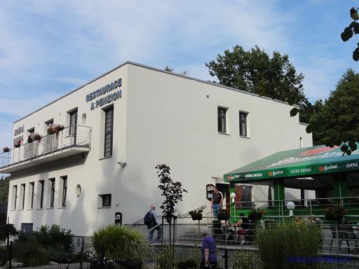 Restaurace a penzion Zděná bouda - Hradec Králové